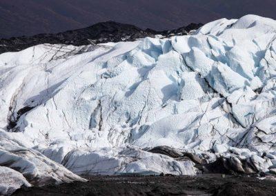 Aus der Ferne wirken die Gletscherzacken wie Creme.