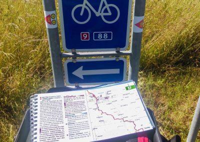 """Die nationale Fahrradstrecke mit der """"Neun"""" weist den Weg durch Dänemark. Die Karte erleichtert die Orientierung."""