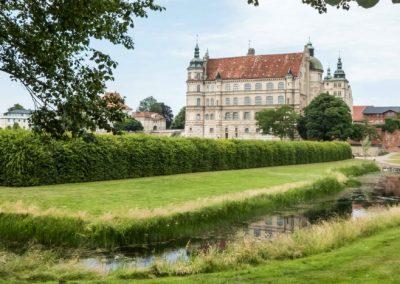 Schloss Güstrow am Rande der gleichnamigen Kleinstadt in Mecklenburg-Vorpommern.