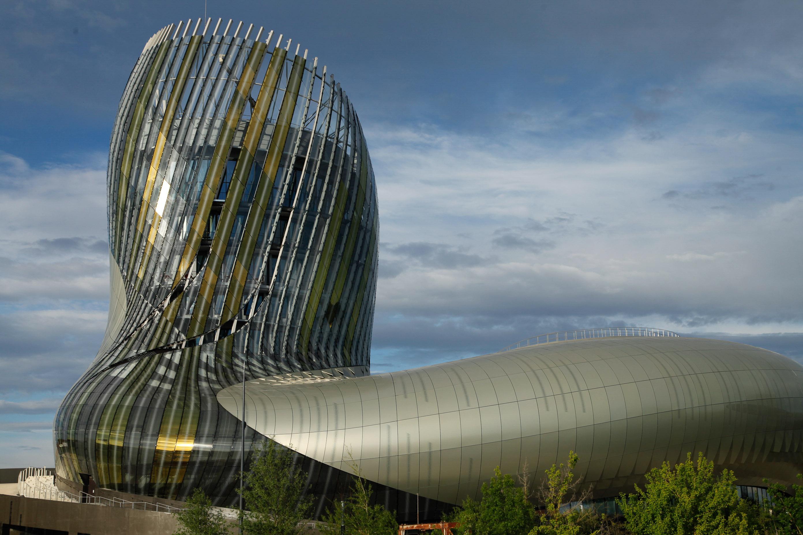 Das Weinmuseum von Bordeaux, die cité du vin.