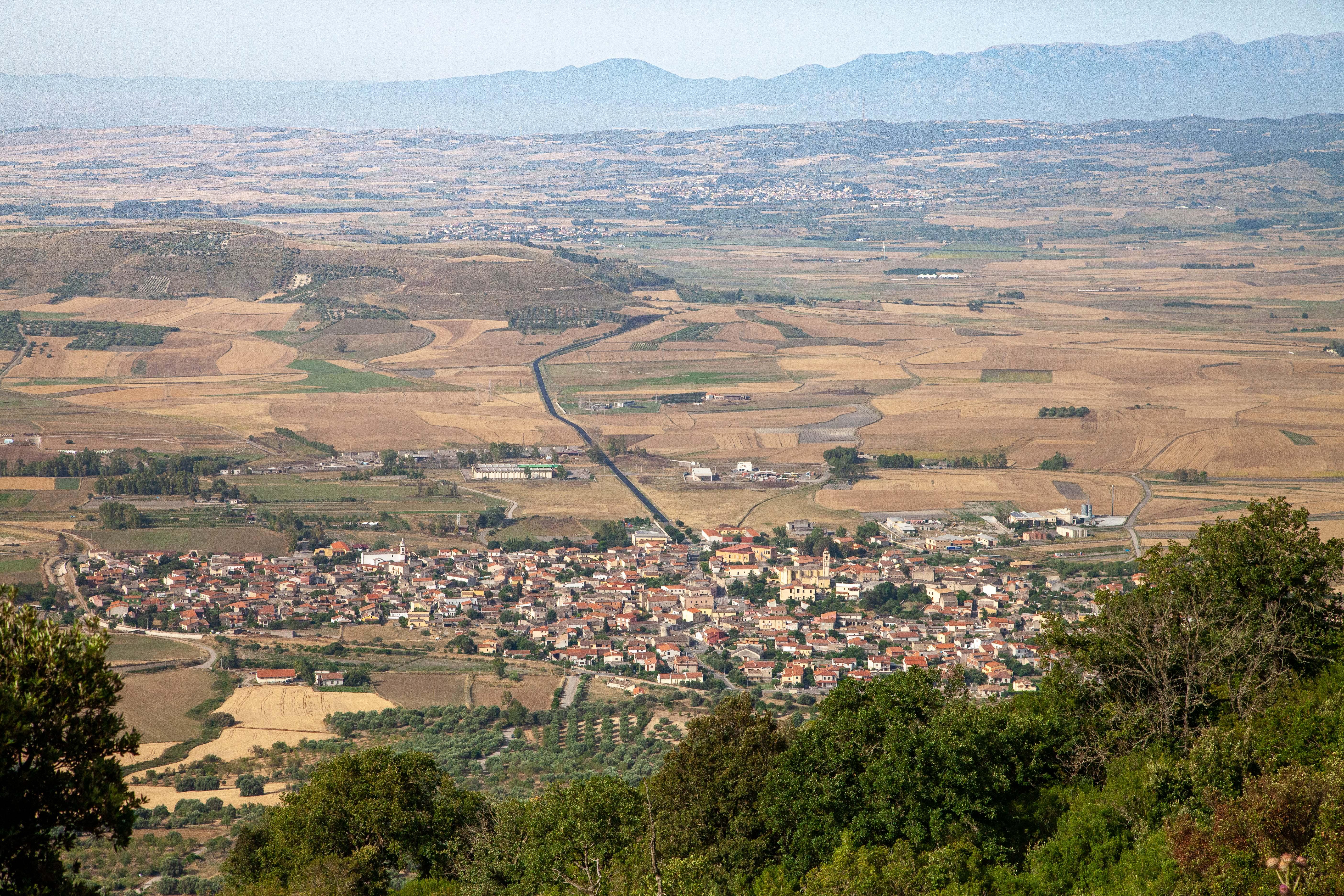 Fernab von den touristischen Hochburgen Sardiniens. Weizen, etwas Oliven und Wein, das sind die wichtigsten landwirtschaftlichen Produkte der Marmilla.